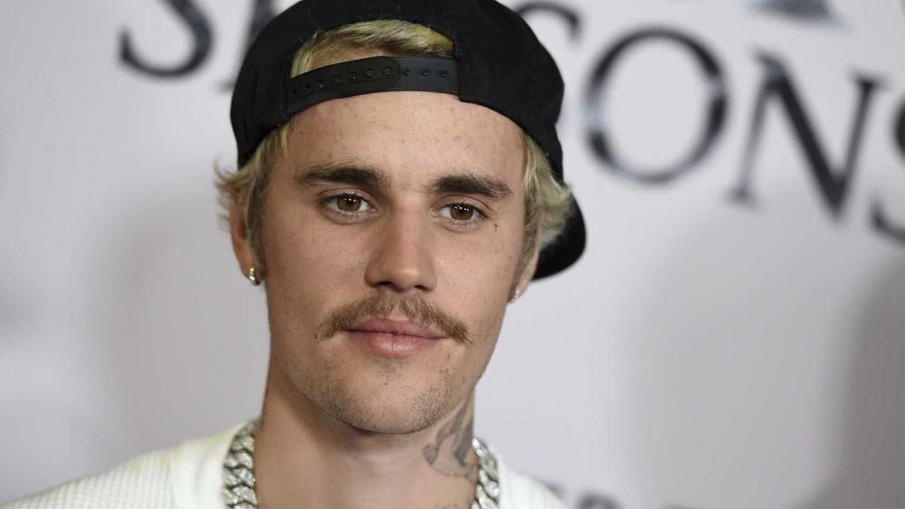 Justin Bieber comparte el evangelio y condena la cultura de cancelación en su nueva canción 'Afraid to Say'